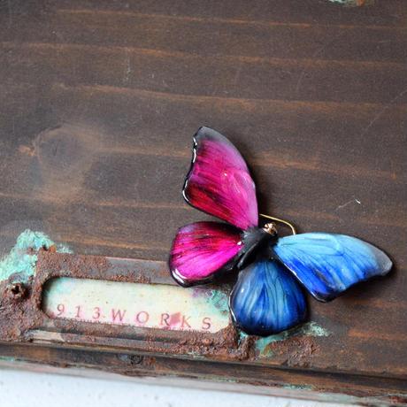 メネラウスモルフォのピアス blue magenta half.col 2Ssize(片耳用)