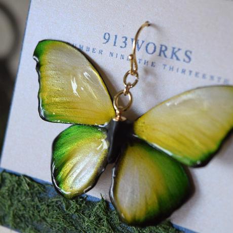 蝶のピアス メネラウスモルフォ lime.col 2Ssize (両面、片耳用)