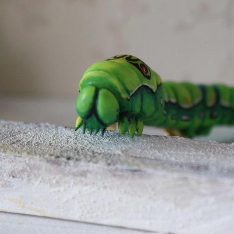 ナミアゲハの幼虫ブローチ(試作