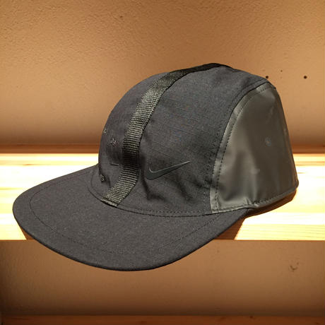 NIKE U NSW AW84 CAP TECH PACK