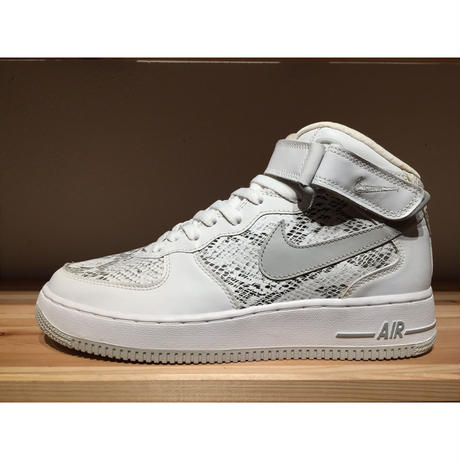 NIKE AIR FORCE 1 MID PREMIUM