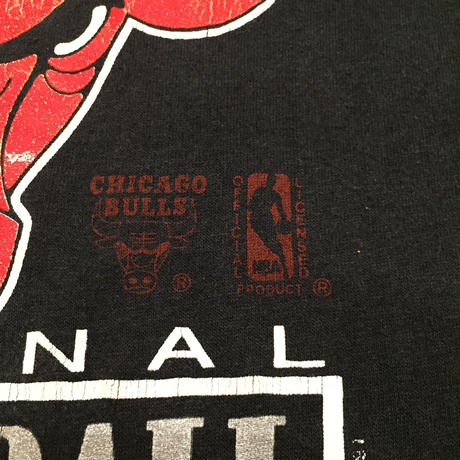 ☆1990's EARLY・アメリカ製 -【VINTAGE】TRENCH CHICAGO BULLS LOGO TEE