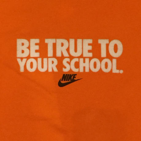 【USED】NIKE BE TRUE TO YOUR SCHOOL LOGO TEE