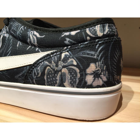 【USED】NIKE TOKI LOW TXT PRINT