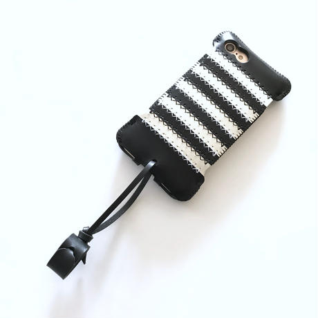 限定品【abicasePro】iPhone7 Stripe Jacket シロクロ