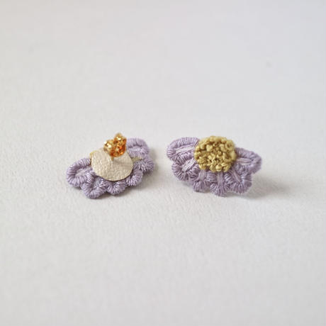 marguerite purple ピアス