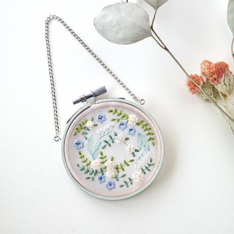 ネモフィラ畑の思い出(ミニ刺繍タペストリー)