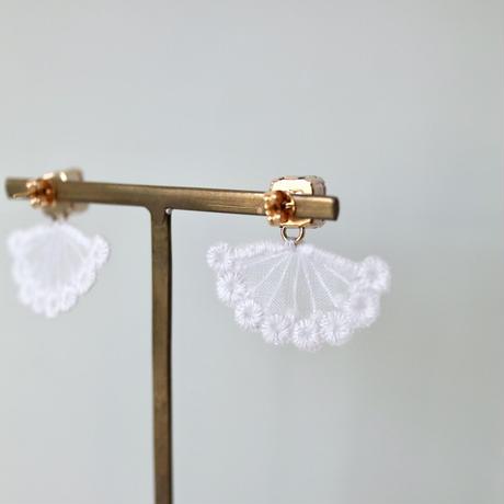 quiet jewelry white ピアス