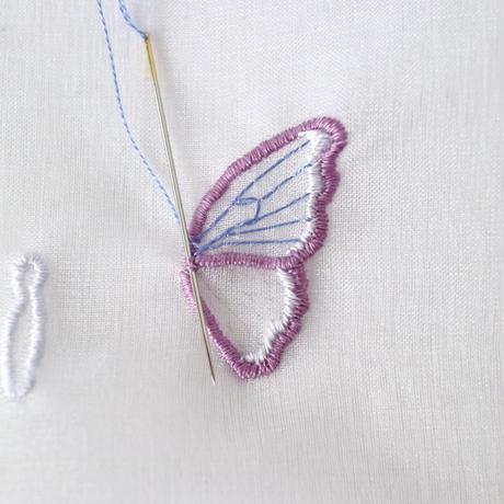 ちょうちょ のブローチ オーガンジー刺繍キット