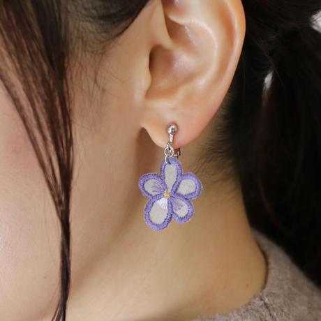 すみれの耳飾り オーガンジー刺繍キット