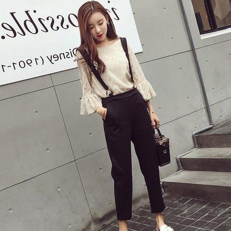 ホワイトレースフレアスリーブブラウスxブラックサロペットセット オルチャン 韓国 ファッション U30006