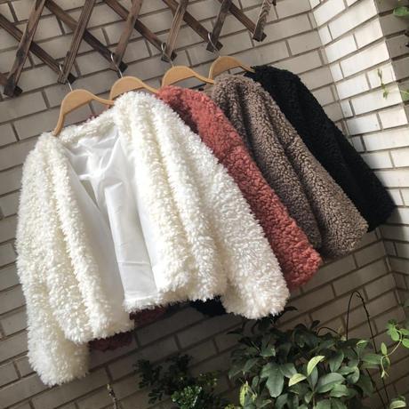 もこもこボアブルゾン*゜ショート丈 アウター ふわふわ 抜き襟 秋 冬 オルチャン 韓国 ファッション C2008