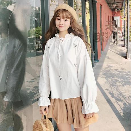 フラワー刺繍フリルネックリボンブラウス トップス フレアスリーブ オルチャン 韓国 ファッション T30012