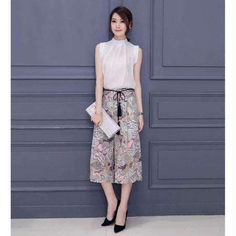 花柄ガウチョパンツxホワイトノースリーブブラウスセットアップ リボン 韓国 ファッション U30009