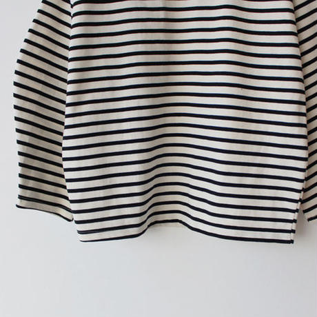 volume sleeve border tee