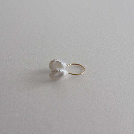 shell ear cuff -single-