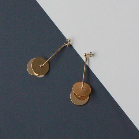 disque pierced earrings