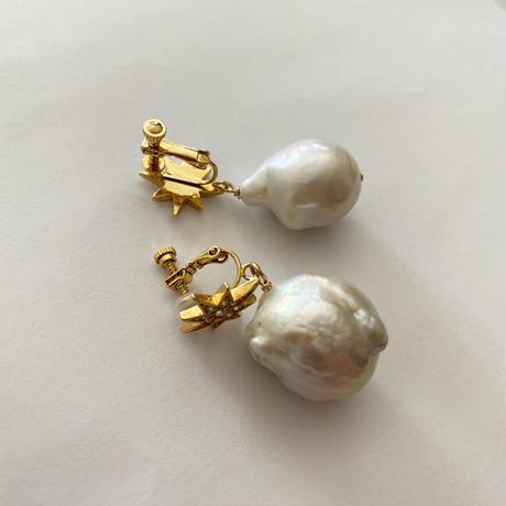STAR baroque pearl pierce (big pearl)