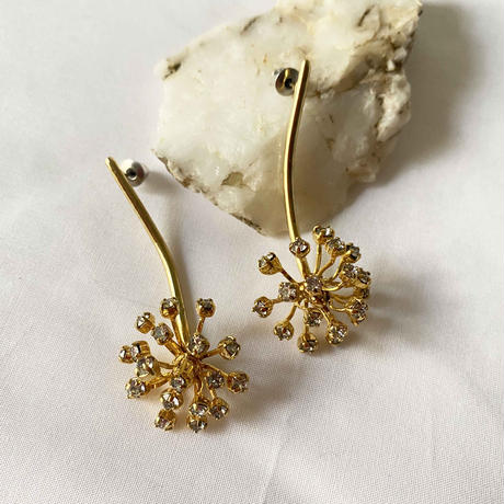 FILIGREE  Dahlia swing earring/pierce