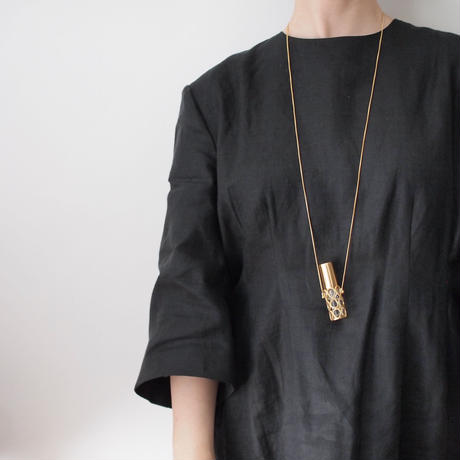 Atomizer necklace / gold