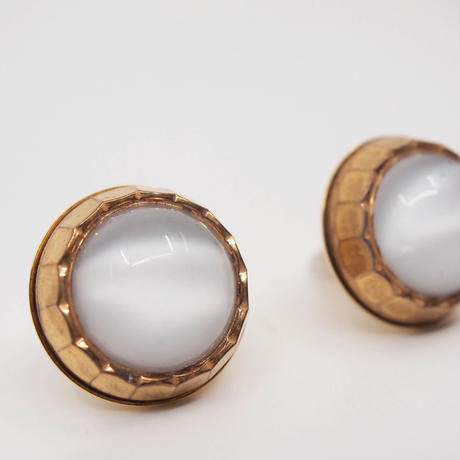 VINTAGE button earring(white)