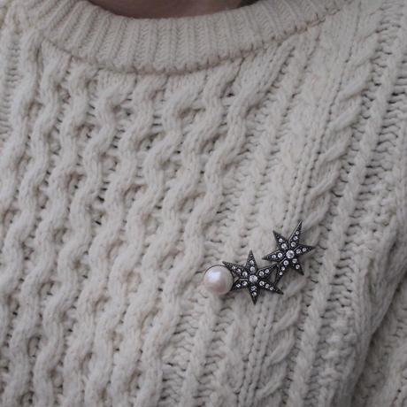 STAR pearl brooch