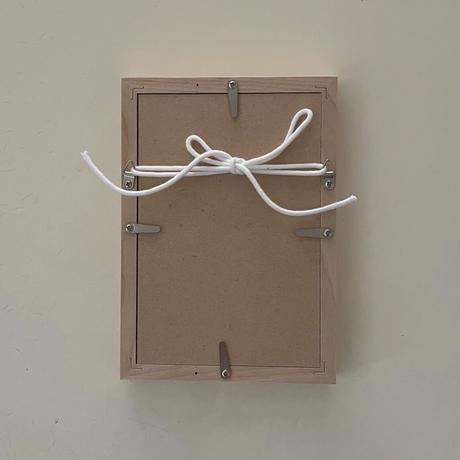 額装したアルファベットレタープレスカード by Noreen Rei Fukumori