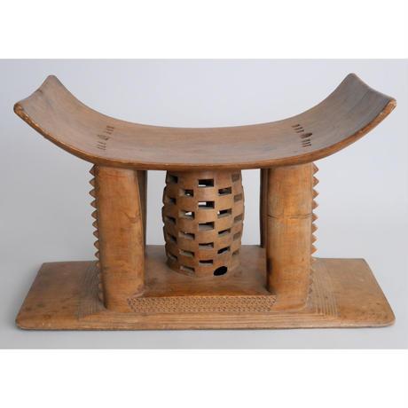 no4.  椅子