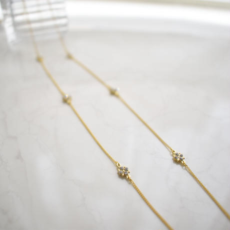 n139 glass long necklace