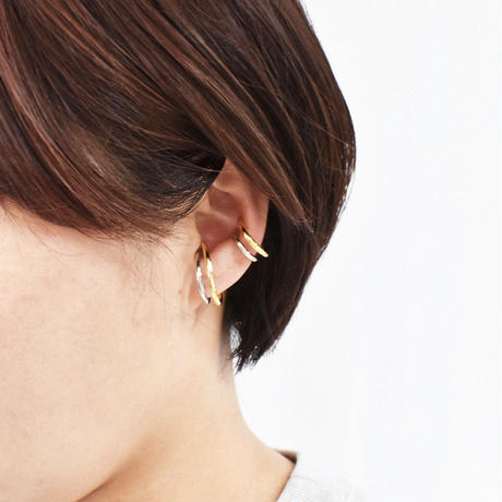 gold × silver mix metal earcuff S