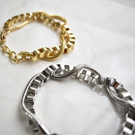b021 metal intersect chain bracelet