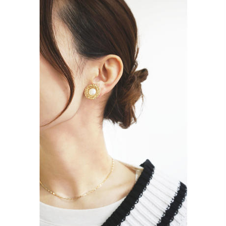 e127/p232 vintage like pearl earring / pierce