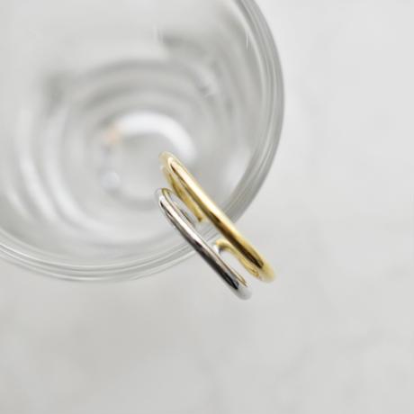 gold × silver mix metal earcuff M