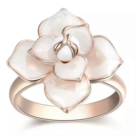 white  flower pink gold ring
