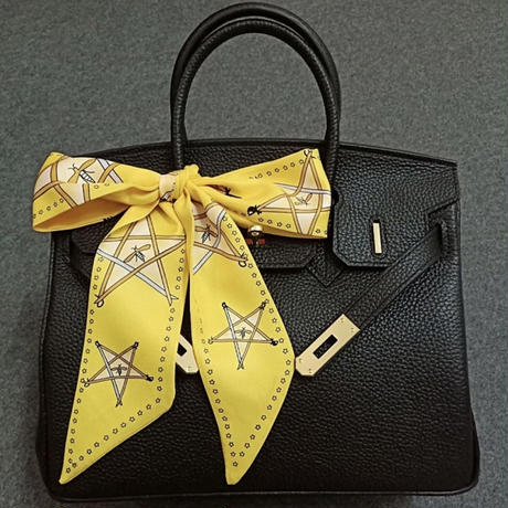 bee × star Tsui Lee scarf