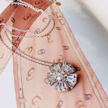 flower  shine necklace