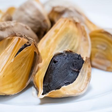 熟成黒にんにく[ドライ] 国産ニンニクをじっくり熟成させて栄養成分が一片に濃縮された健康自然食品 100g