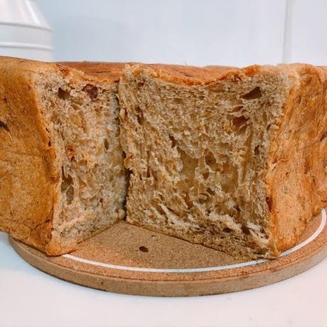 熟成黒たま[食パン] 国産タマネギを生地に練り込んだ食パン 380g