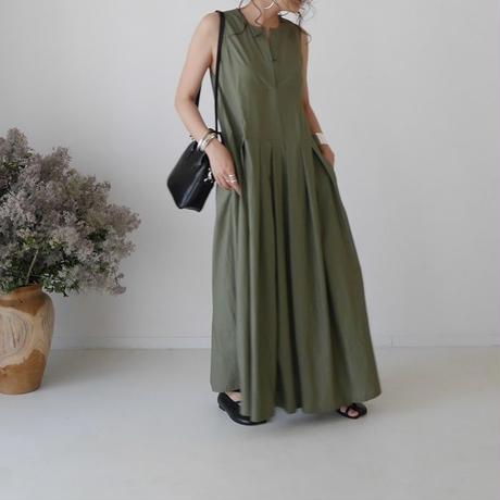 SILKY ESSENTIAL  PLEATS DRESS/KHAKI
