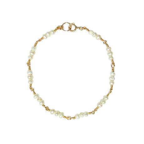 Tiny Pearl Bracelet -Triple-