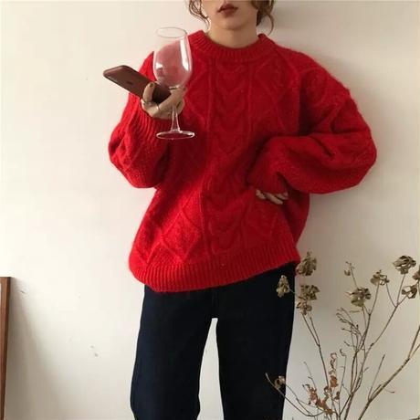 ケーブルニットセーター