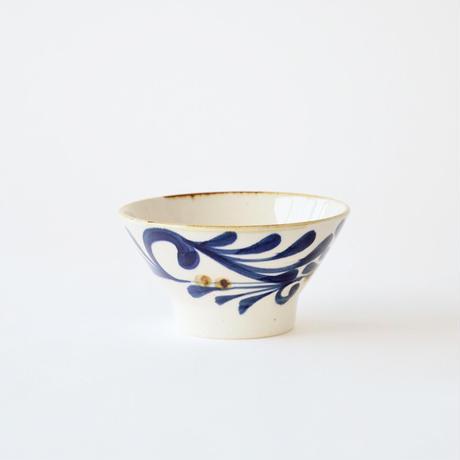 藍ブルー くらわんか碗 唐草紋