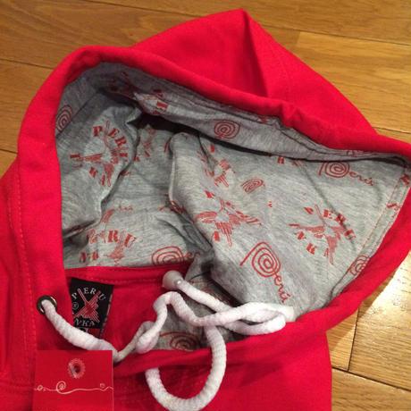 ペルー刺繍付きパーカー