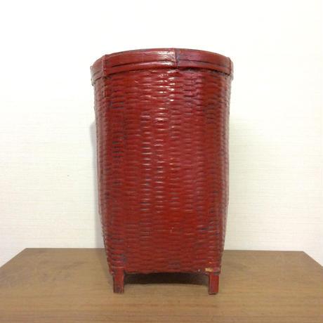 塗りの竹かご