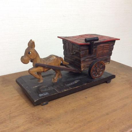 木彫りのオルゴール