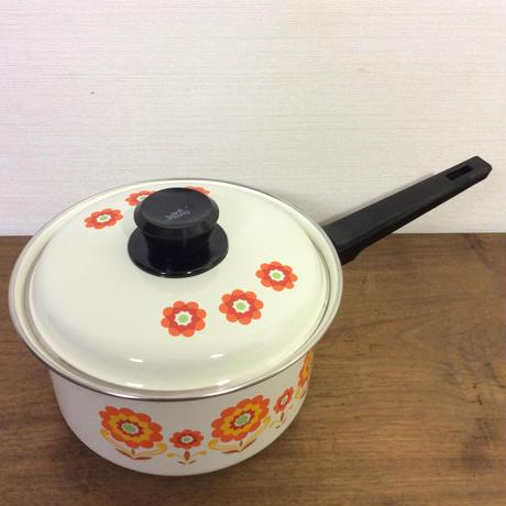 花柄ホーロー鍋