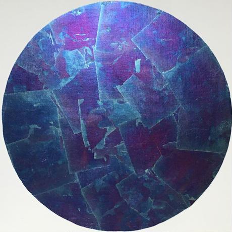 青紫色の月