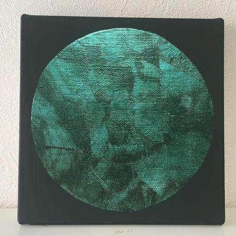エメラルドグリーンの月
