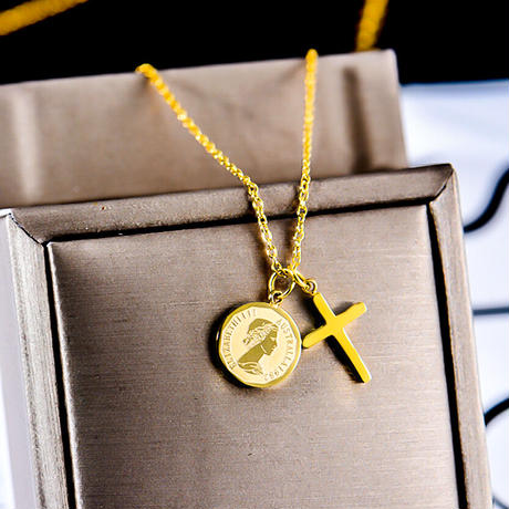 Elizabeth coin & cross necklace gold №51