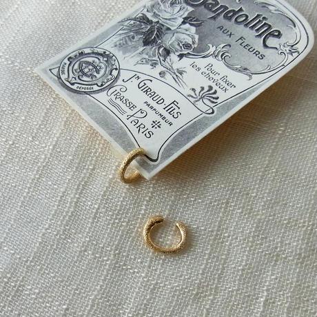 [Gold]ダイヤモンドダスト加工(キラキラ)のイヤリング